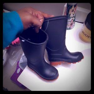NWOT Unisex  toddler rainboots